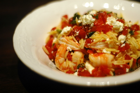 orzo-with-shrimp-feta-cheese-and-white-wine.JPG