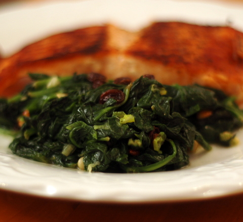 spinach-with-pine-nuts-and-raisins.JPG