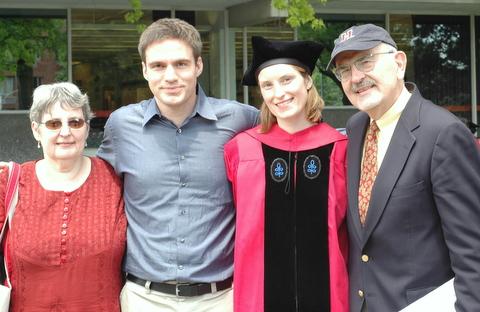 graduation-with-family.jpg
