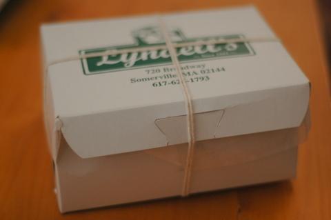 chocolate-macaroon-box.JPG