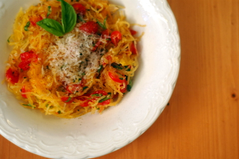spaghetti-squash-with-tomatoes-and-basil.JPG