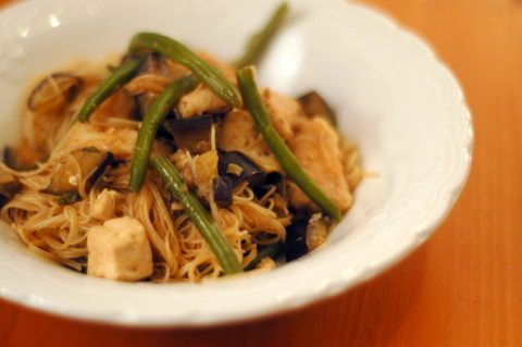 cellophane-noodles-with-green-beans-and-eggplant.jpg