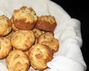 banana-pecan-muffins